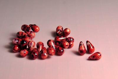 5020402 15 X Glaskraal druppel gem.roze 7x12mm