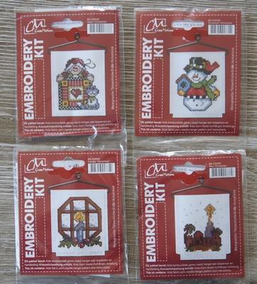 Borduurpakketjes 4X kerst Nr. 438499,699,899,999